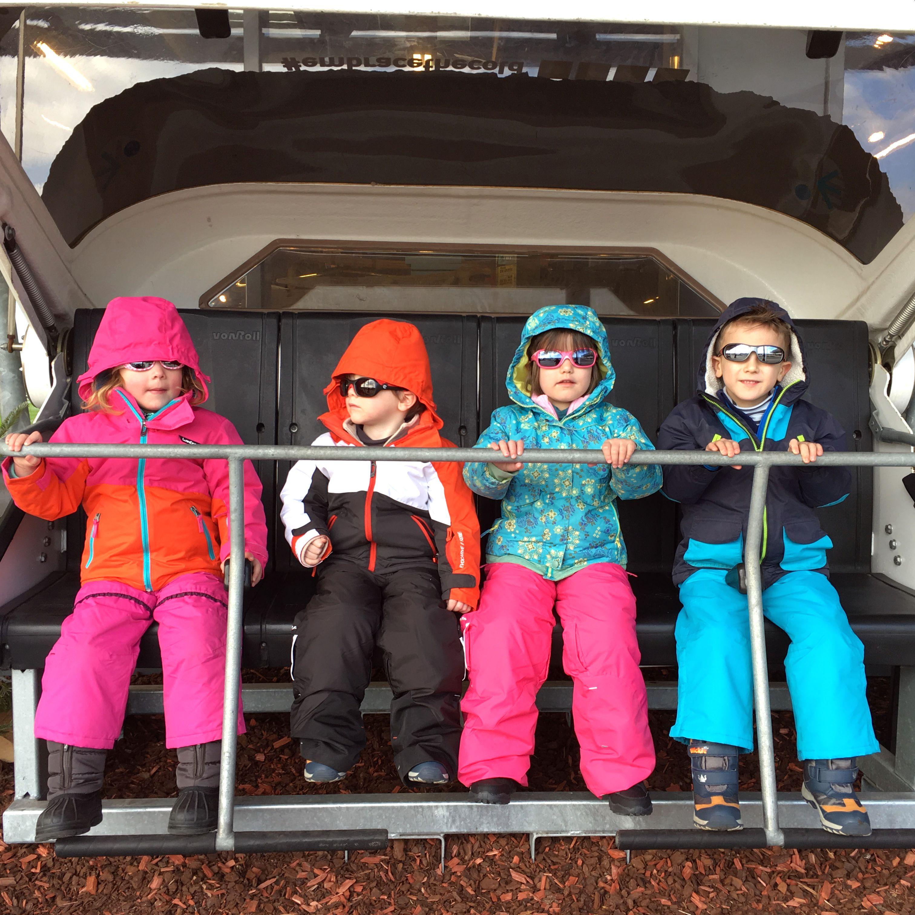 skioutfit-groepsfoto