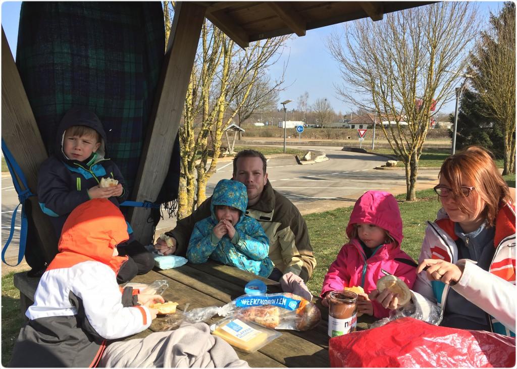 heenreis-picknick