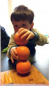 zondagserituelen-appelsienen stapelen
