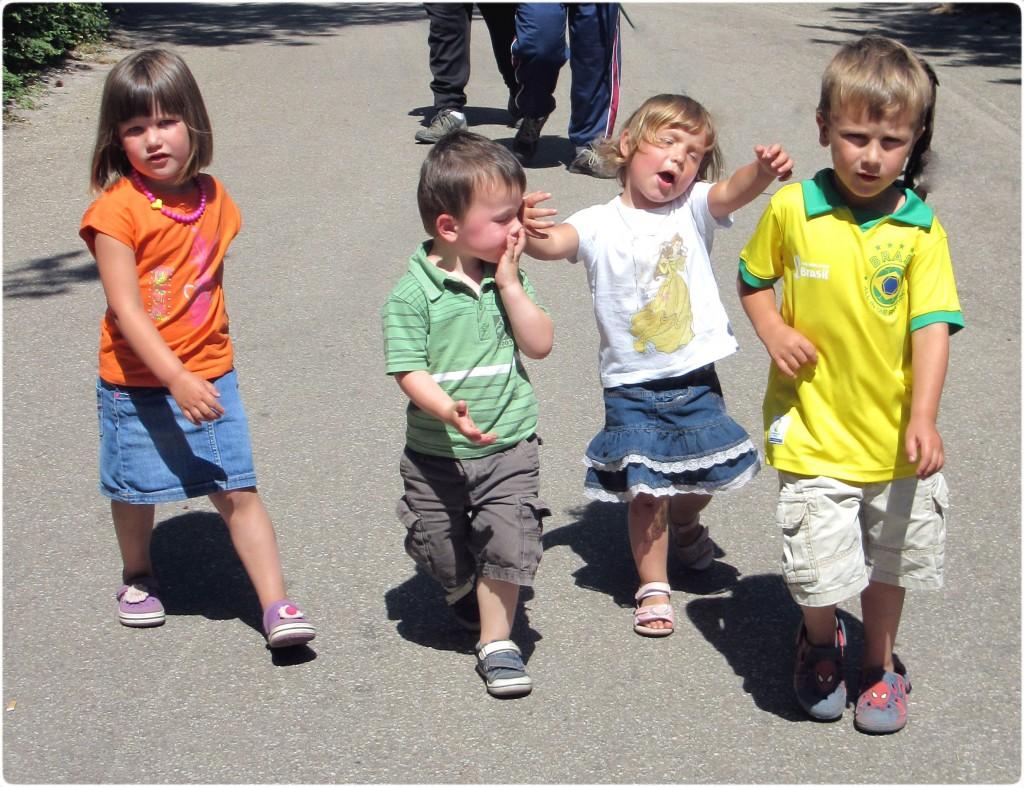 kinderenkortopelkaar-samen sterk