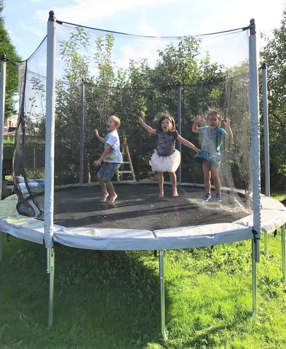 Een trampoline in de tuin, dat is het hele jaar door plezier!
