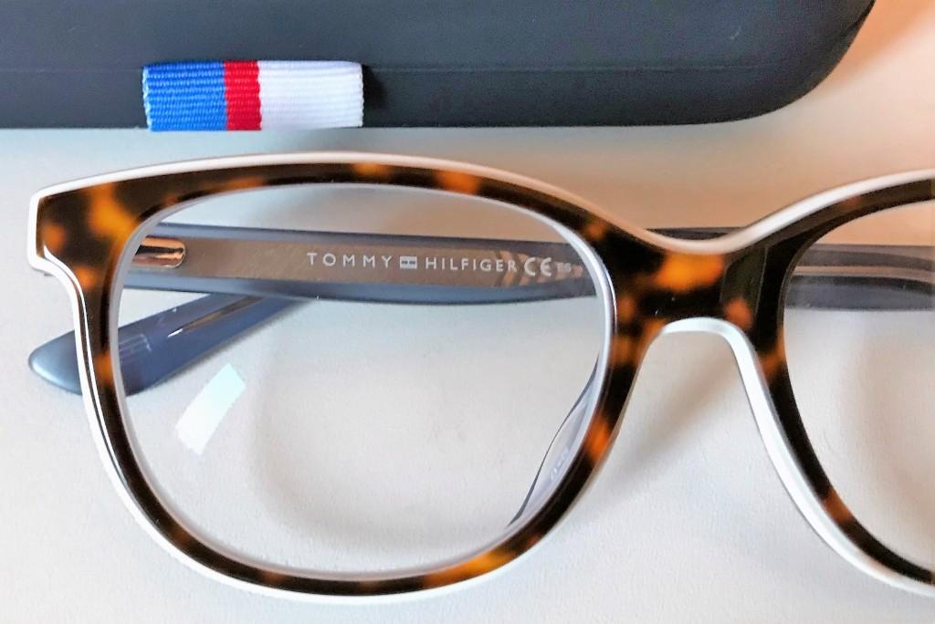 bril, pearl, tommy hilfiger, januari